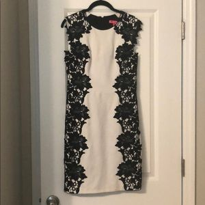 Betsey Johnson b&w floral lace design dress